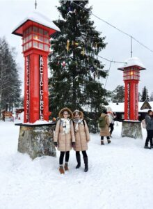 Women in a snowy picture.